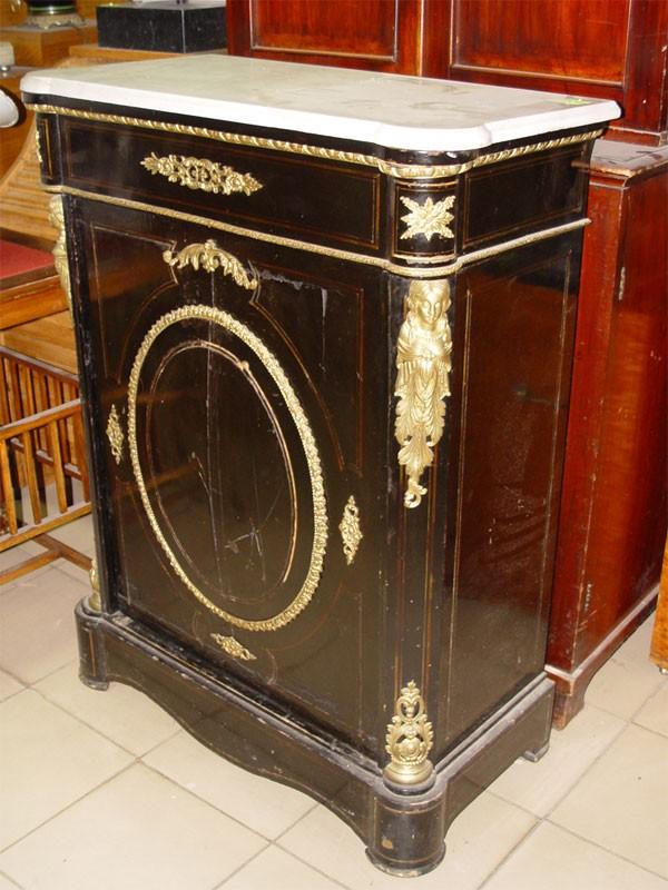 Шкаф гостиный, черненое дерево, накладная бронза, конец XIXвека