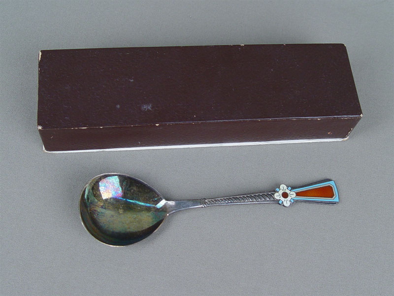 Ложка длякомпота вфутляре, серебро 875пробы, эмаль, общий вес— 55г