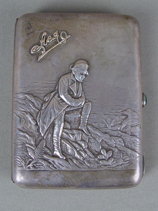 Портсигар «Наполеон наЭльбе», серебро 875пробы, общий вес— 208г