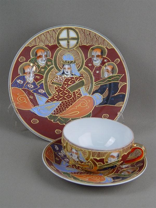 Чайная пара итарелка, фарфор, роспись, золочение. Япония, XXв.
