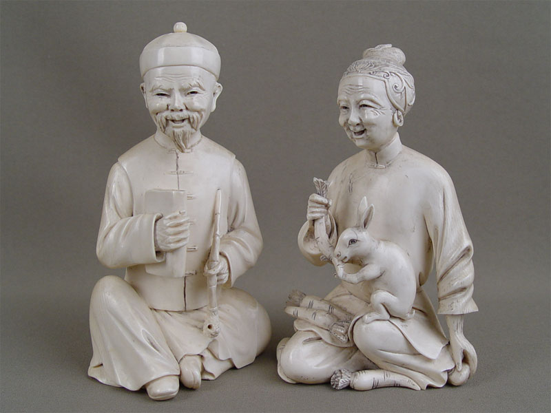 Пара фигур «Китаец икитаянка», кость, резьба. Китай, начало XXвека, высота— 16см