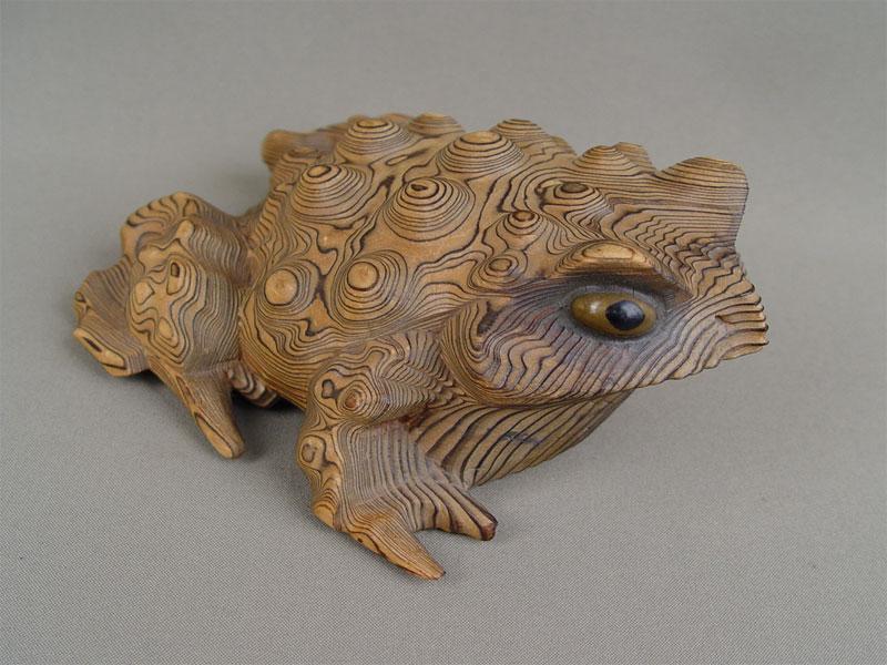 «Жаба», кипарис, резьба. Япония, начало XXвека, длина— 18см