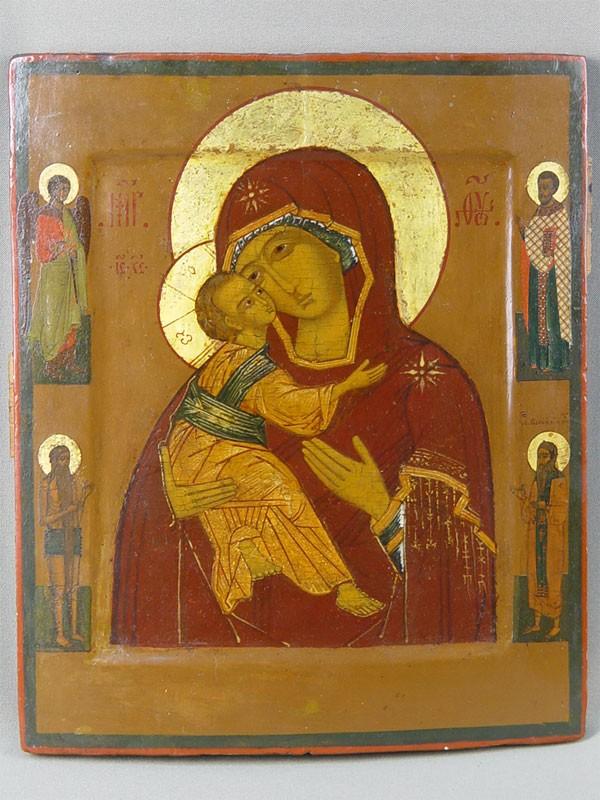 Икона «Пресвятая Богородица Владимирская спредстоящими», дерево, левкас, темпера. Москва, середина XVIвека, размер: 28×23см.