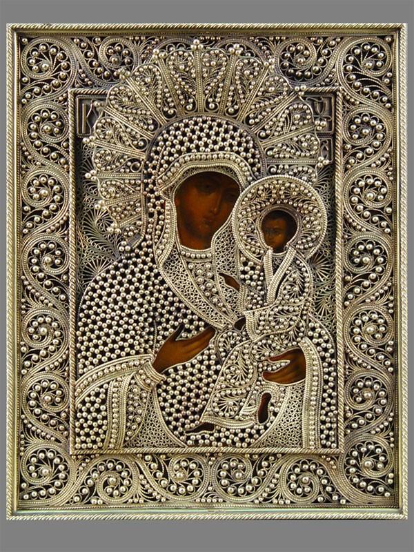 Икона «Пресвятая Богородица Тихвинская». Мстёра, XIXвек, дерево, левкас, темпера. Оклад: <b>золото</b> 56°, скань, зернь, вес оклада— 825г. Санкт-Петербург, 1878год, размер: 23×18,5см.