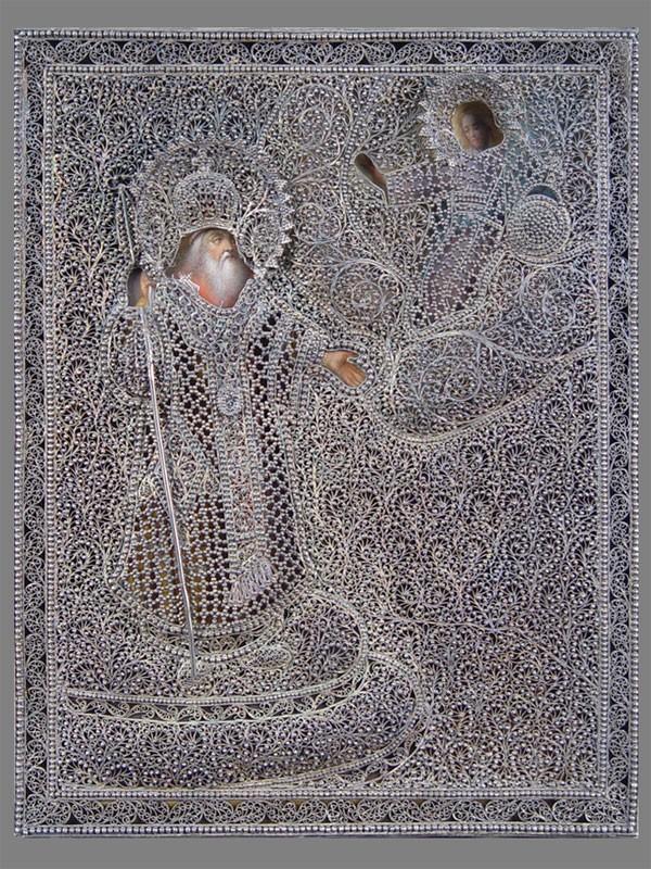 Икона «Святитель Алексий Московский», дерево, масло, Москва, XIXвек. Оклад— серебро, скань, зернь; Москва, 1887год. Размер: 28,9×22,5см; киот