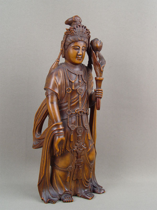 Фигура «Богиня милосердия Гуань Инь», дерево, резьба. Китай(?), конец XIX— начало XXвека, высота— 18см