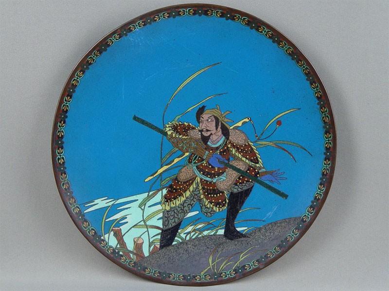 Тарелка декоративная «Самурай», медь, эмаль клуазоне. Япония, конец XIX— начало XXвека, диаметр— 30,5см