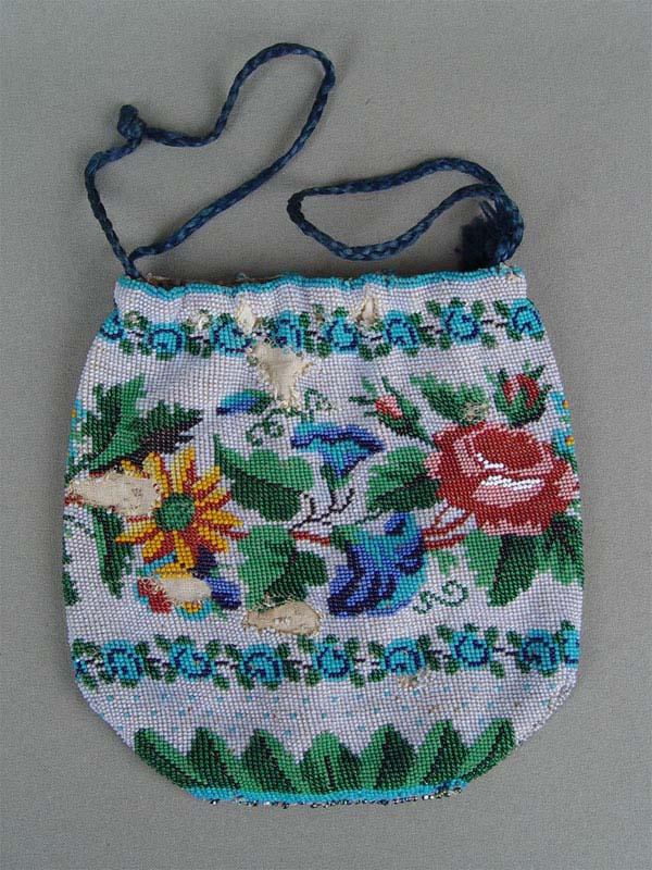 Сумочка-кисет, ткань, вышивка бисером (утраты), XIXвек, 15×15см