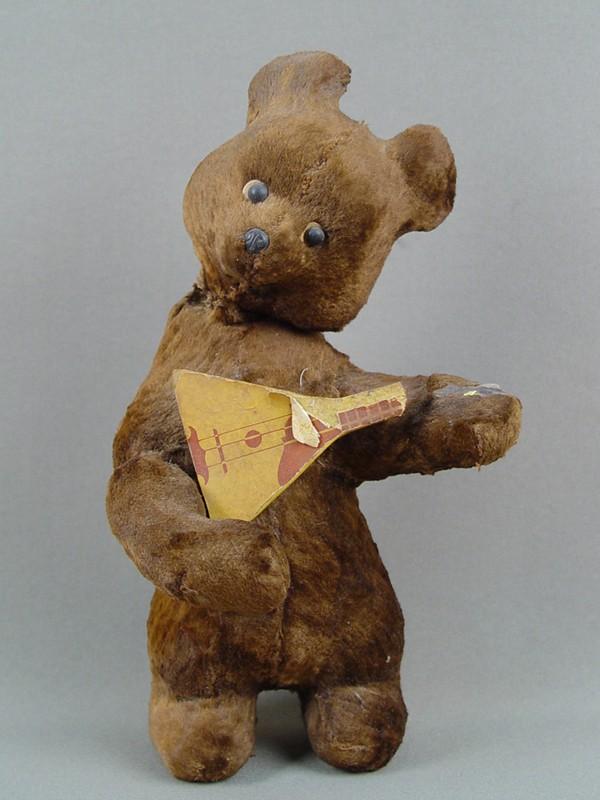 Антиквариат. старинная Заводная игрушка «Медведь и балалайка»