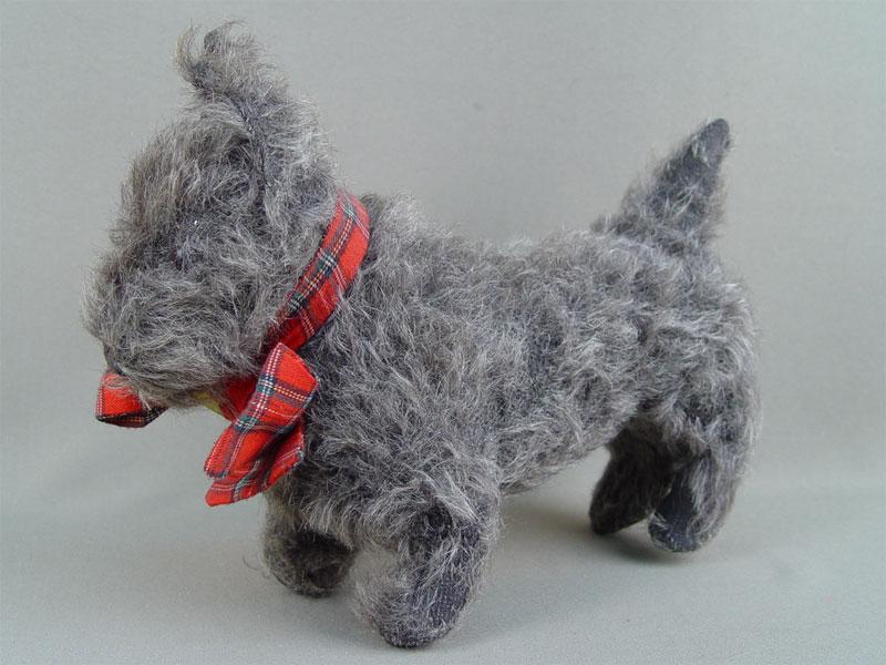 Антиквариат. антикварная Игрушка «Собака»