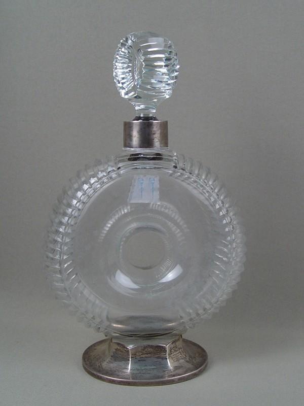 Штоф, стекло, серебро 84пробы, высота— 27см, клеймо «М.Владимиров»