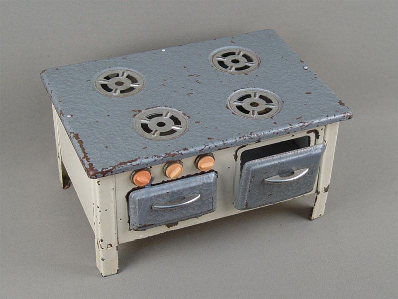 Антиквариат. антикварная Игрушка «Газовая плита»