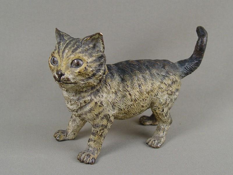 «Кошка», венская бронза,19-20 век, высота— 12см, длина— 17,5см