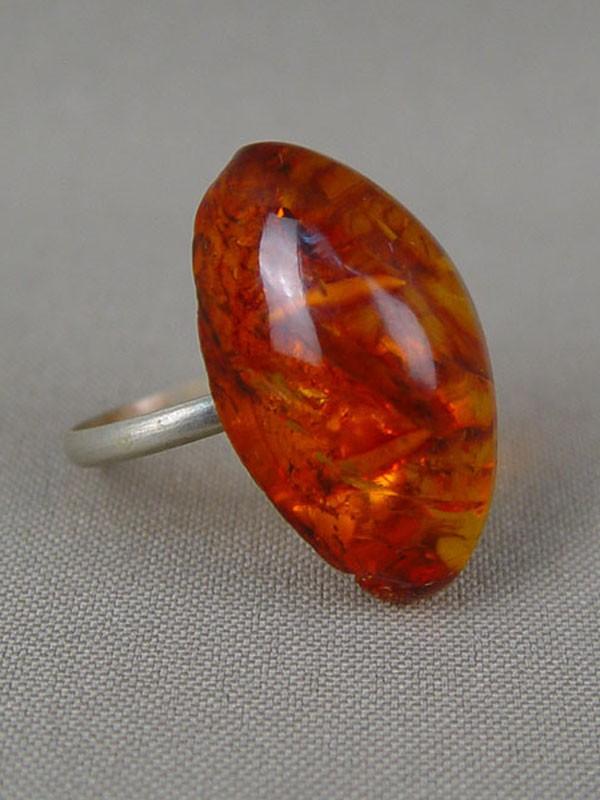 Кольцо, янтарь, металл, размер кольца 17,5