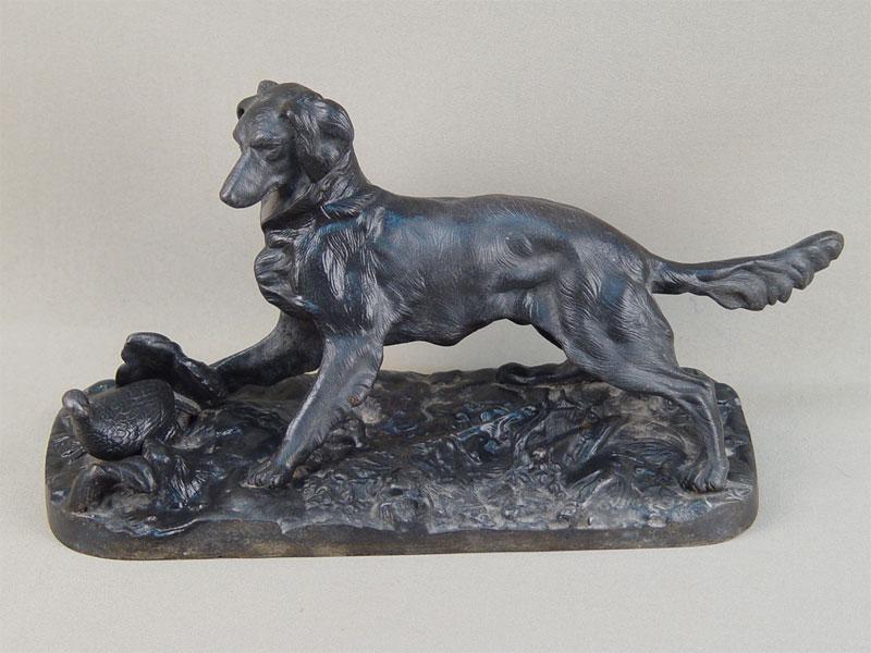 «Собака сеттер», чугун, литье, покраска. Касли, 1937—1940годы, длина— 29,5см, высота— 16см