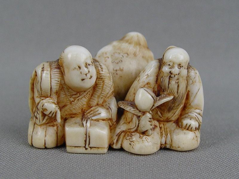 Нэцкэ «Китайские мудрецы», кость, резьба. Япония, XIXвек, высота— 3см