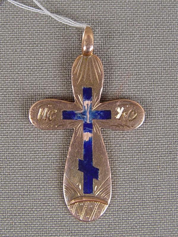 Крест нательный, золото 56пробы, гравировка, эмаль (утраты), общий вес— 3,74г.