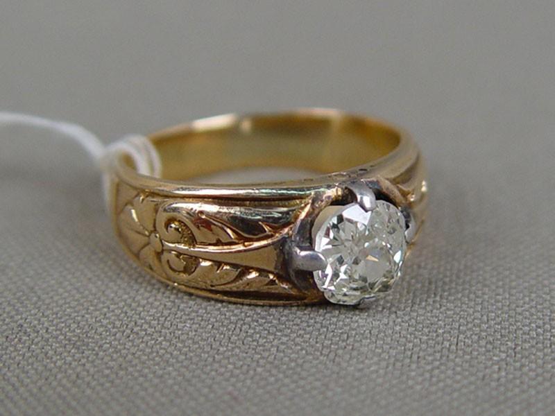 Кольцо, золото 56пробы, общий вес— 6,88г. Москва, 1908год. Вставка: бриллиант (1,15ct 7/9). Экспертиза. Размер кольца 17,5.