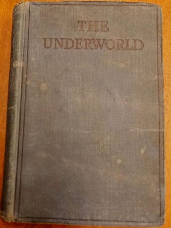 Уэлш, Джеймс С. Преступный мир: История Роберта Синклера. / The Underworld: The Story of Robert Sinclair— London: Herbert Jenkins Limited, 1920.— 258стр. <i>На английском языке.</i>