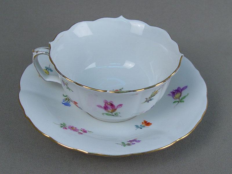 Антиквариат. Чайная чашка и блюдце, немецкий фарфор, Майсен