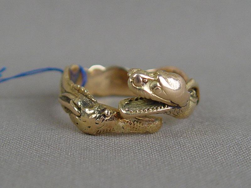 Кольцо мужское, золото пореактиву, общий вес— 10,15г., размер кольца 22,0