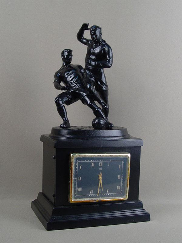 Антиквариат. Часы «Футболисты», Касли. футбол. спорт