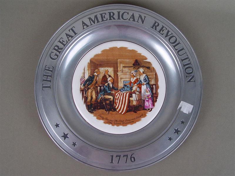 Антиквариат. Тарелка Американская революция, фарфор