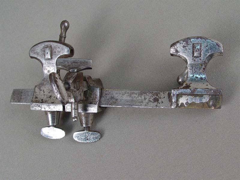 Антиквариат. старинный часовой Инструмент. часовой станок