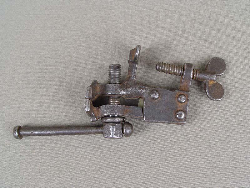 Антиквариат. старинные инструменты. Тиски