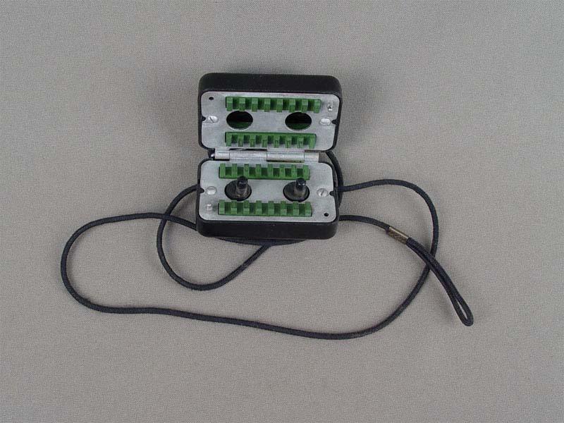 Прибор для заточки бритвенных лезвий, металл, пластик, середина XXвека, длина— 6,5см