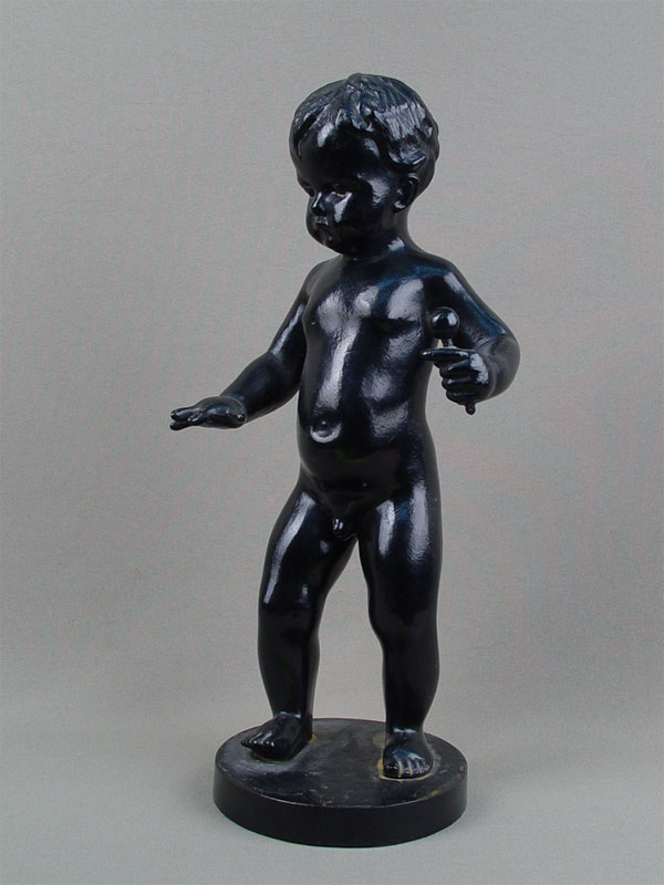 Антиквариат. «Мальчик с погремушкой», чугунное литье, Касли