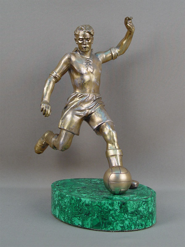 Антиквариат. «Футболист», латунь, малахит. футбол. спорт