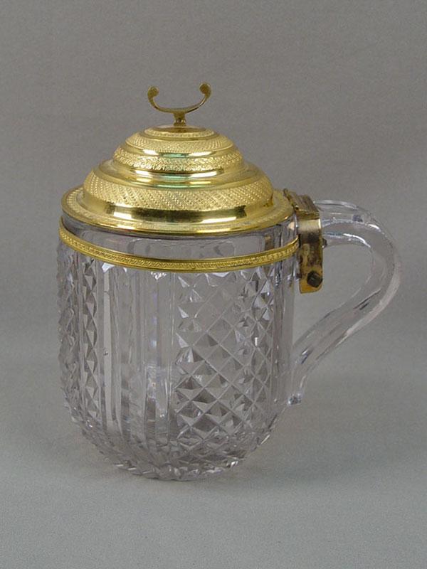 Кружка скрышкой, стекло, бронза, золочение. Россия, XIXвек, высота— 17см