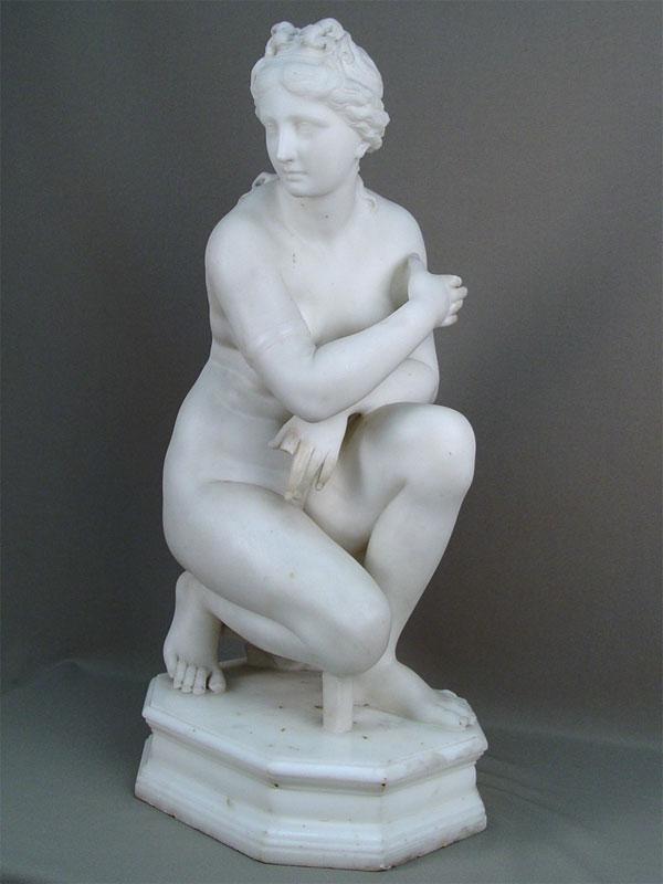 Антиквариат. «Купающаяся Афродита», мрамор. обнаженная