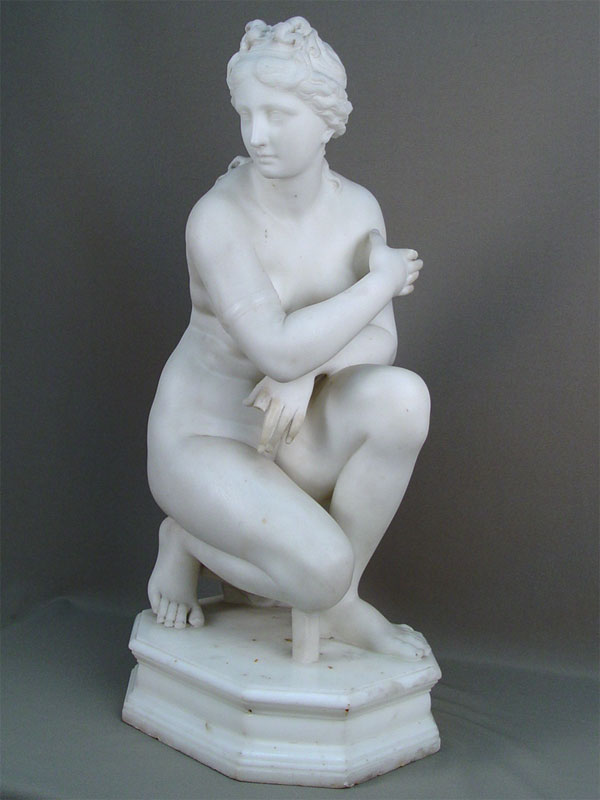 Антиквариат. Антикварная скульптурная композиция «Купающаяся Афродита», мрамор. обнаженная