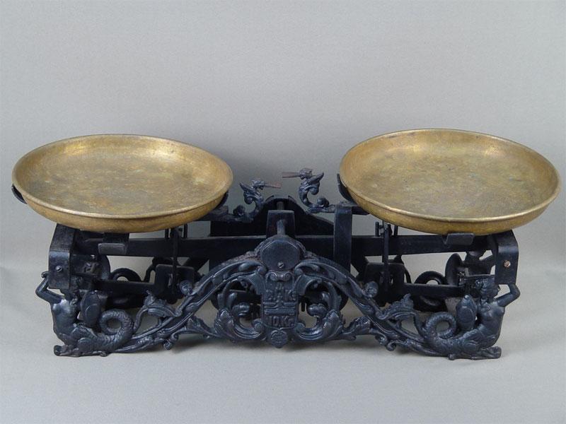 Весы чашечные «Русалки», чугун, латунь. Россия, 1903год, длина— 51см