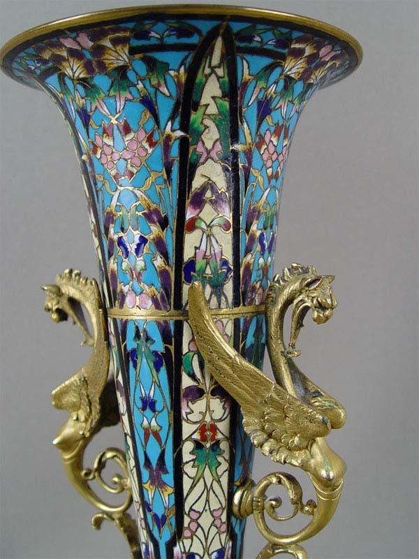 Ваза, бронза, эмаль. Франция, конец XIXвека, высота— 34см