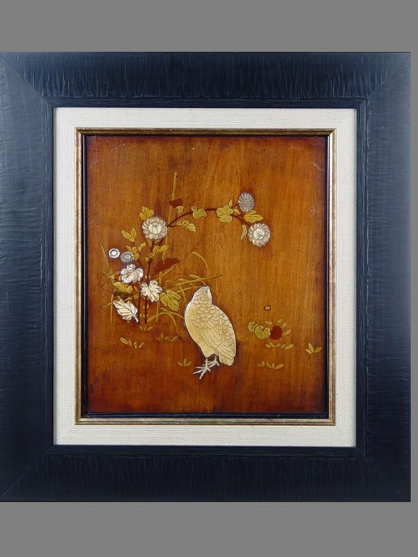Панно «Цветы иптицы», дерево, лак, кость, перламутр. Япония, XIXвек, 32×28см (в окне)