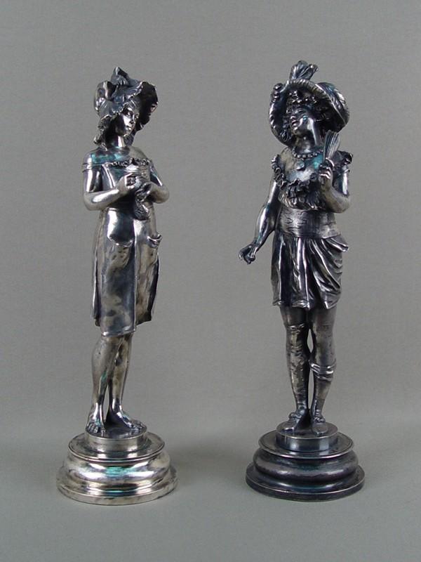 Антиквариат. скульптура «девушка в шляпке»