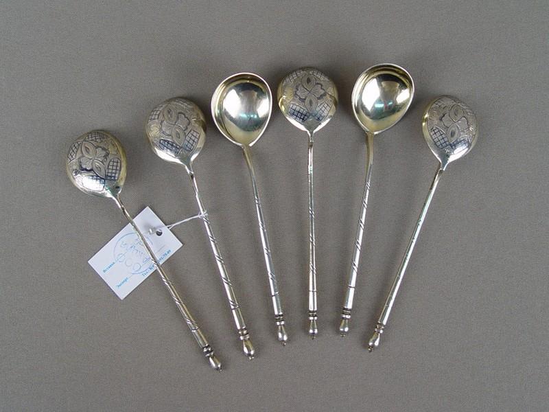 Ложки чайные (6шт.), серебро 84пробы, чернь. Общий вес— 104г.