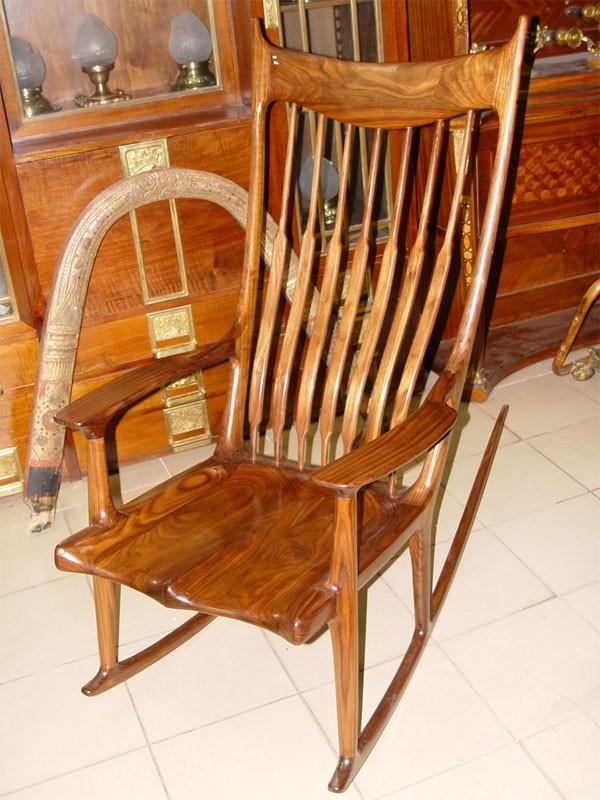 Антиквариат. Кресло – качалка орех