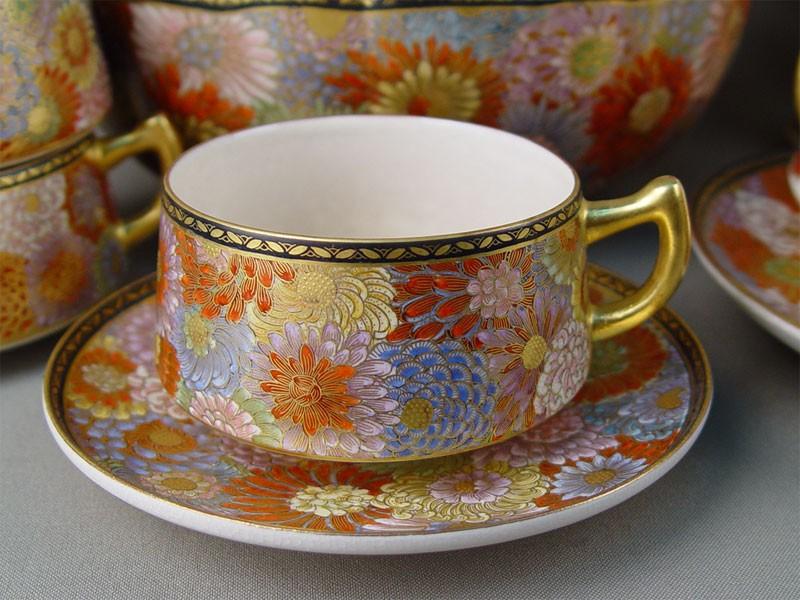 Сервиз чайный на6персон «Хризантемы» (24предмета), фарфор, роспись, золочение. Япония, Сацума, начало XXвека
