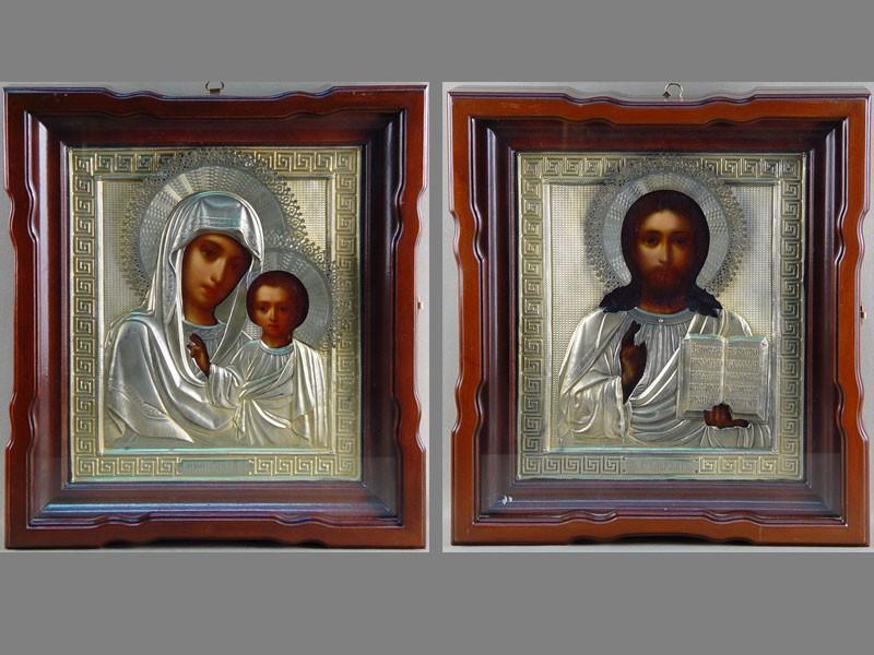 Две иконы— Венчальная пара «Господь Вседержитель» и«Пресвятая Богородица Казанская», дерево, масло; оклад серебро 84пробы. Москва, 1896год, 31× 27см; киот