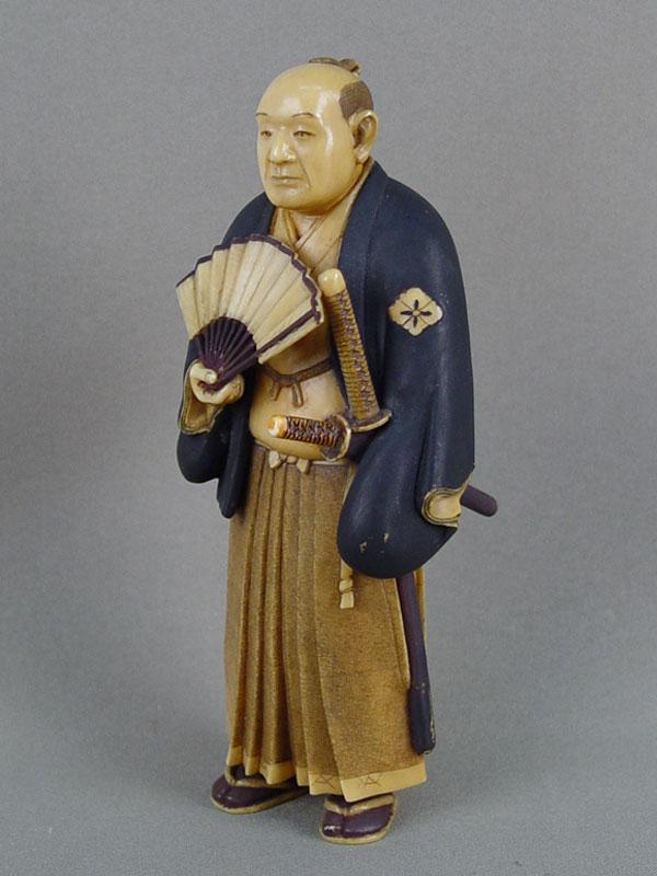 Окимоно «Самурай», кость, резьба. Япония, начало XXвека, высота— 16см
