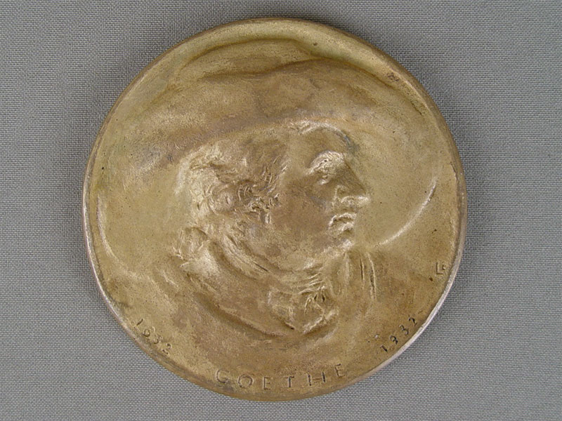 Антиквариат. Настольная медаль Гёте