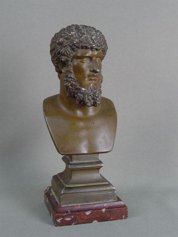 Бюст «Люций Вер», шпиатр, камень, высота— 19см. <i>Луций Цейоний Коммод Вер, более известный как Луций Вер, римский император с161по169издинастии Антонинов.</i>