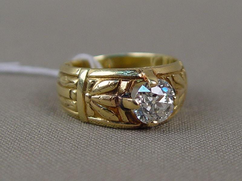 Кольцо, золото 56пробы (по реактиву), общий вес— 9,38г. Вставки: 1бриллиант («Старой» огр.— 1,45ct 7/8), размер кольца 17,5