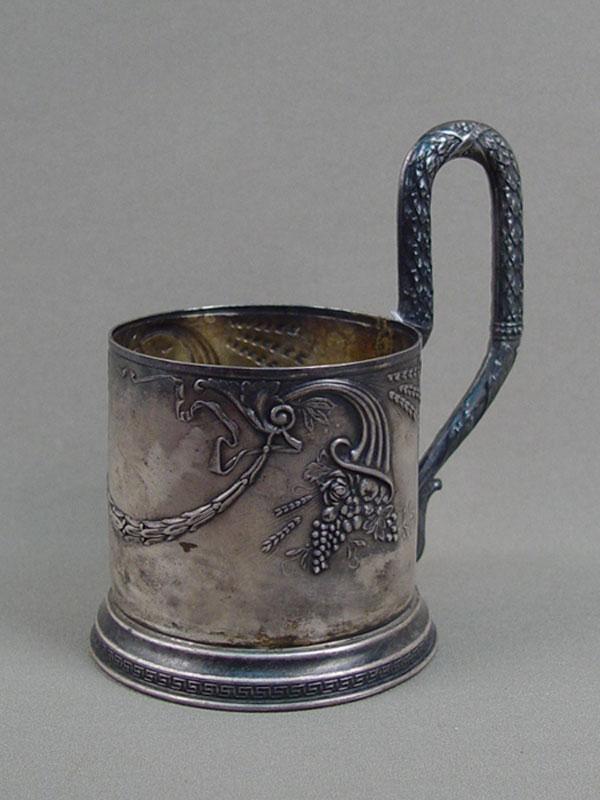 Подстаканник, серебро 875пробы, общий вес— 170г.