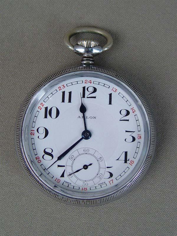 Антиквариат. Часы карманные «Паровоз» железная дорога