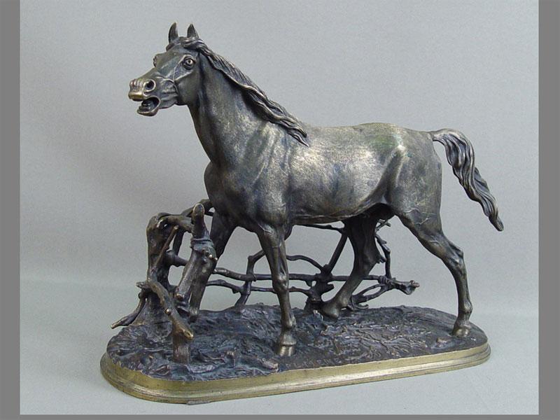 Антиквариат. бронзовая скульптура Конь. лошадь